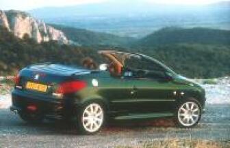 Autozine - Nieuws: Peugeot introduceert de 206 CC Roland Garros