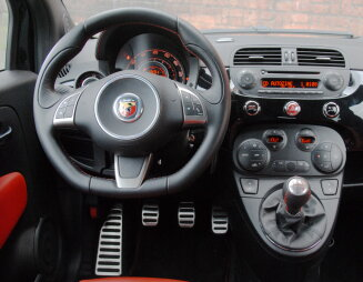 500 Abarth interieur
