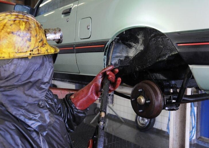onderkant auto beschermen tegen roest
