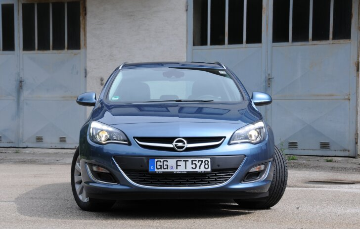 Opel Astra Sports Tourer (2010 - 2016)
