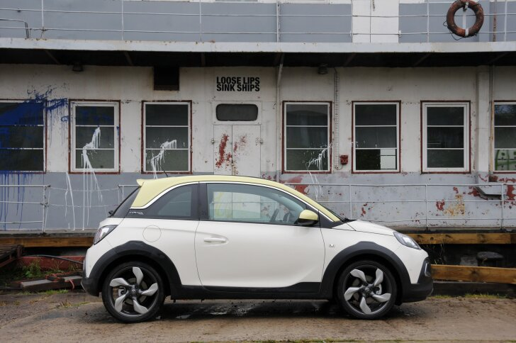 autozine autotest opel adam rocks. Black Bedroom Furniture Sets. Home Design Ideas