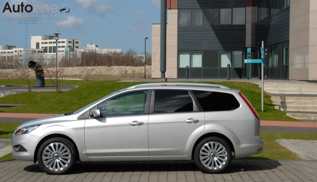 Ford Focus Wagon (2005 - 2011) Zijkant