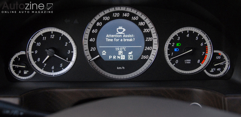 Mercedes-Benz E-Klasse (2009 - 2016) Attention assist