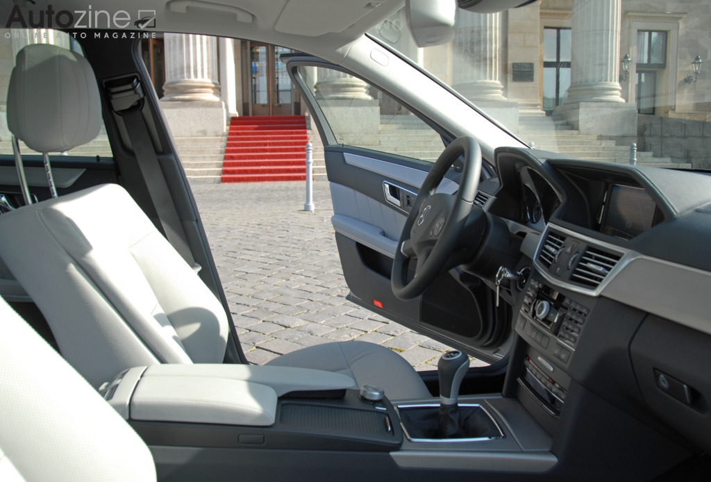 Mercedes-Benz E-Klasse Estate (2009 - 2016) Interieur doorkijk