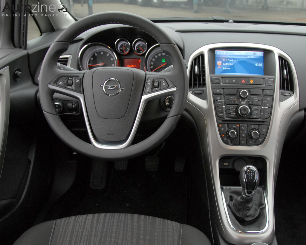 Opel Astra (2009 - 2015) Interieur