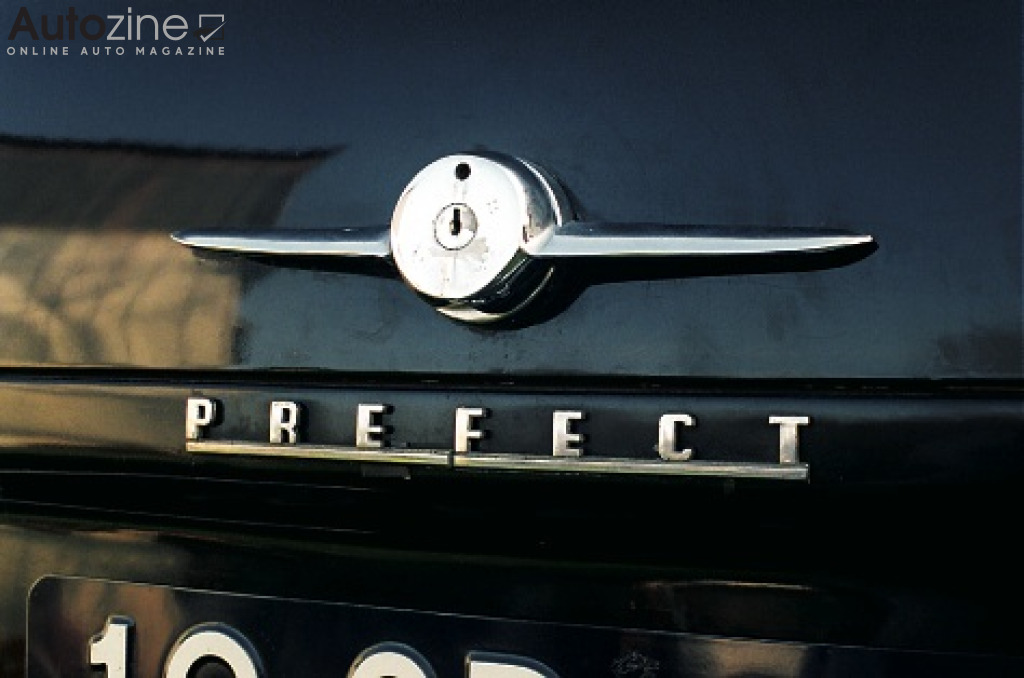 Ford Prefect Logo achter