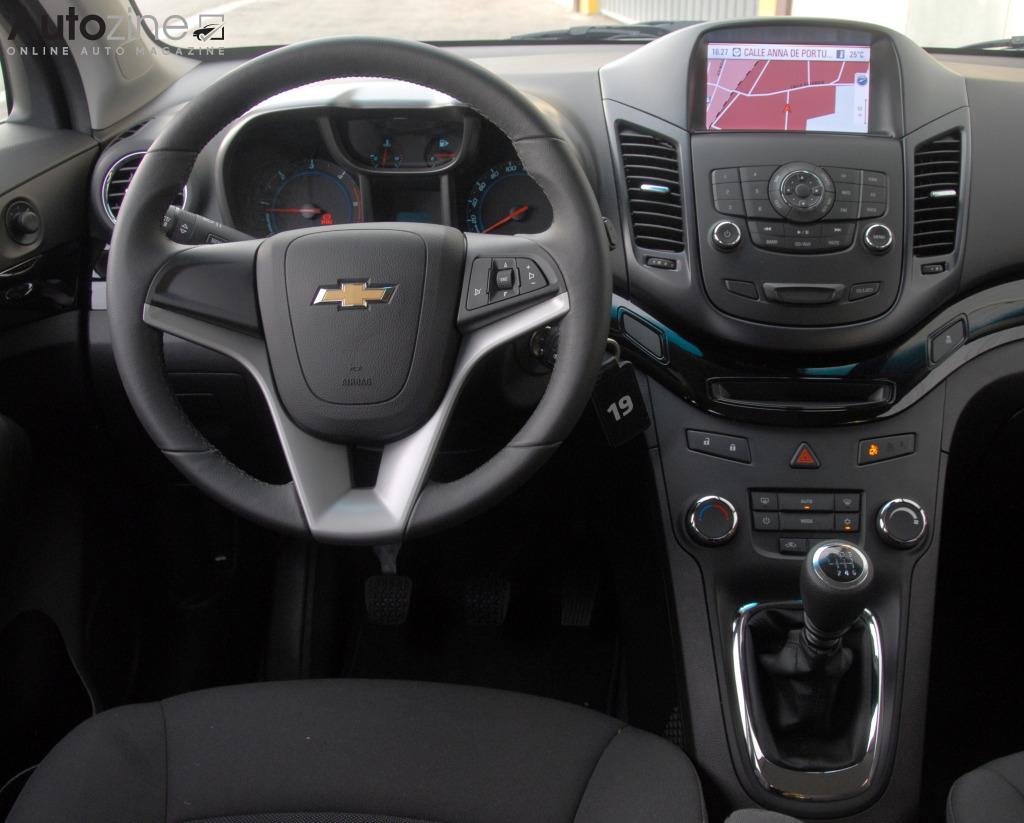 Autozine foto 39 s chevrolet orlando 9 10 for Chevrolet interieur