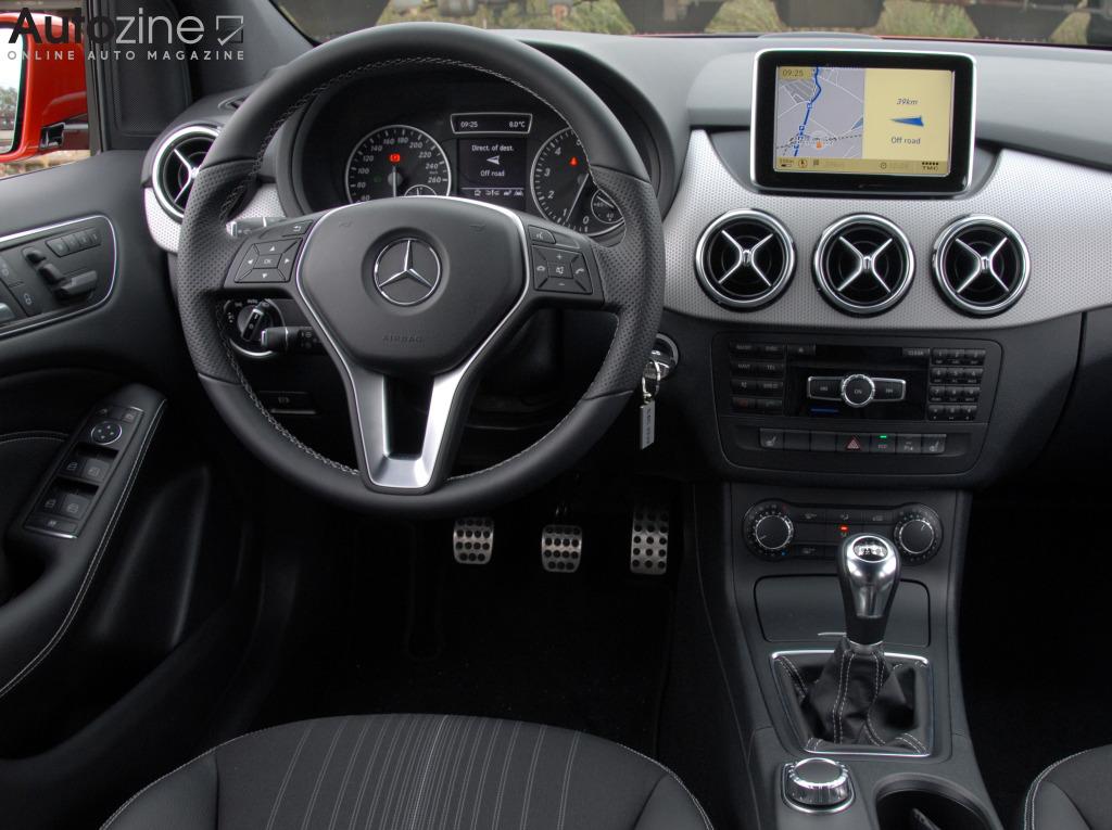 Autozine foto 39 s mercedes benz b klasse 10 11 for Mercedes b interieur