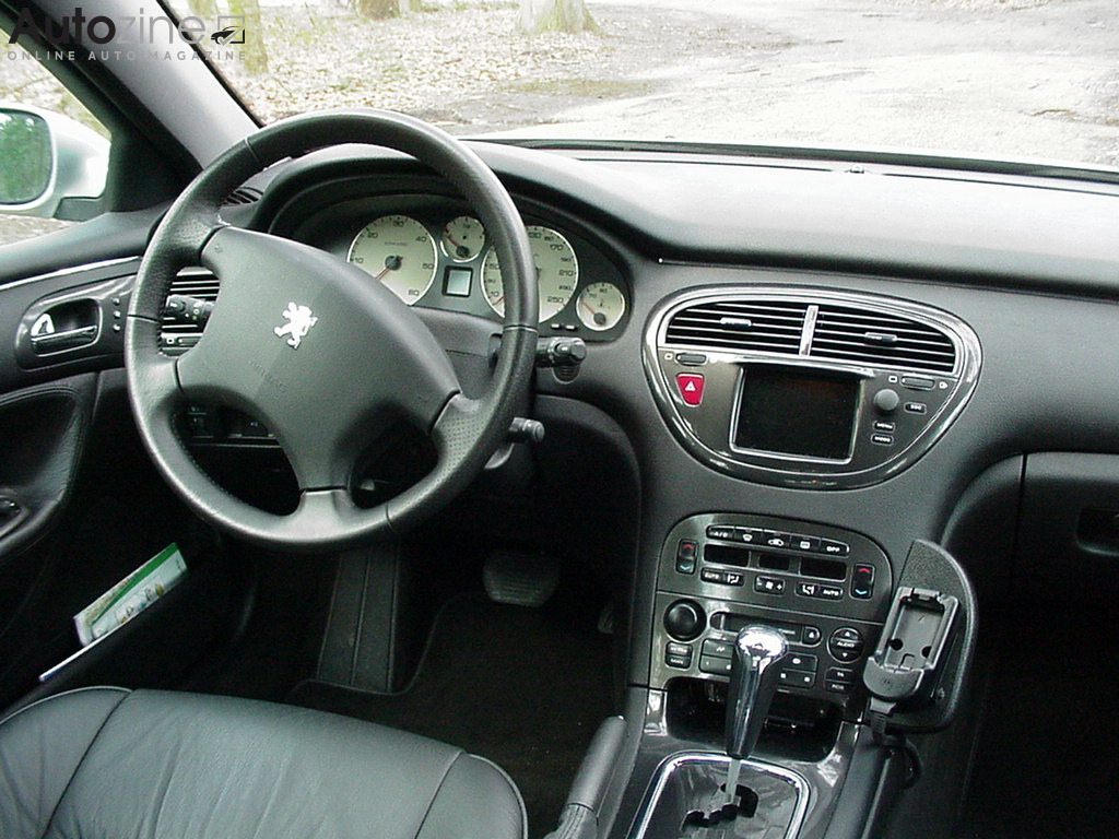 Autozine foto 39 s peugeot 607 5 5 for Interieur 607
