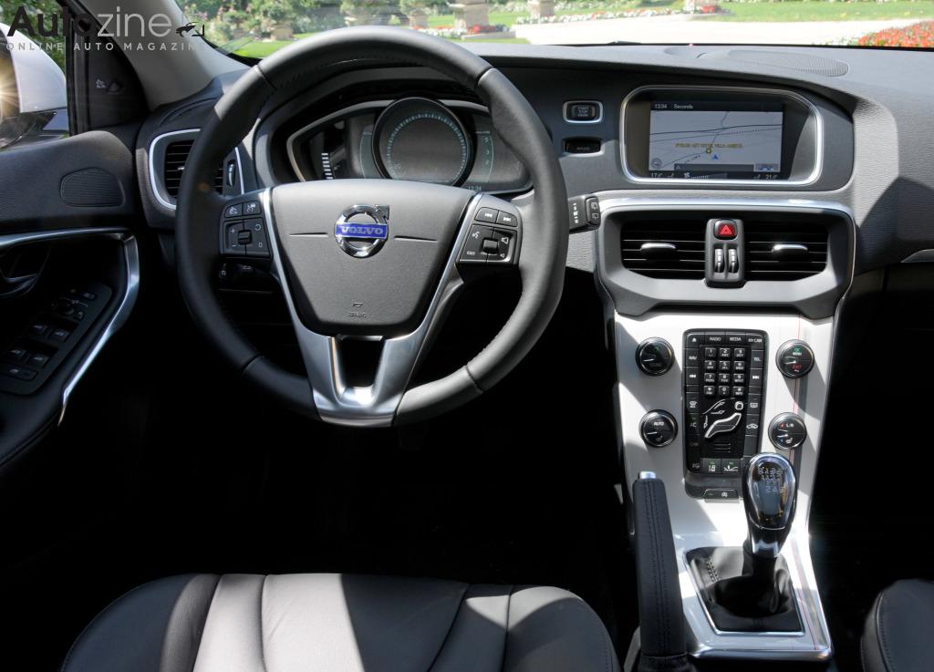 Autozine Foto S Volvo V40 11 12