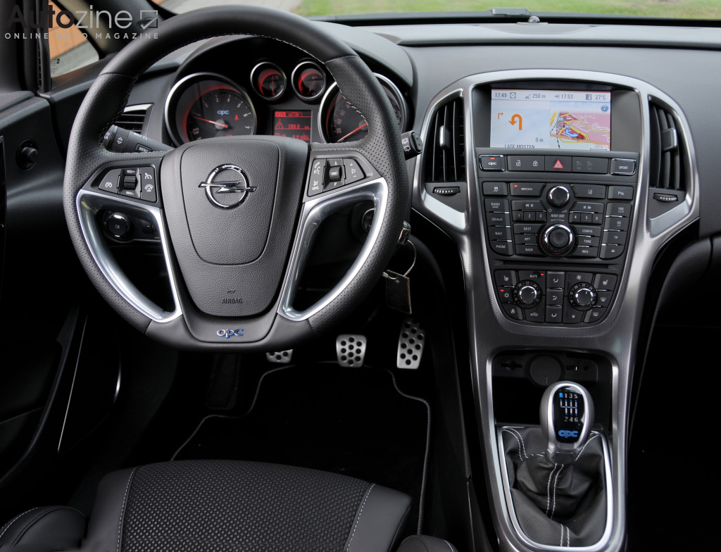Opel Astra OPC Interieur