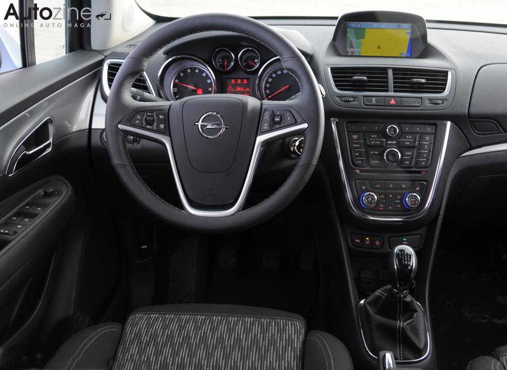 Autozine foto 39 s opel mokka 8 9 for Opel mokka x interieur