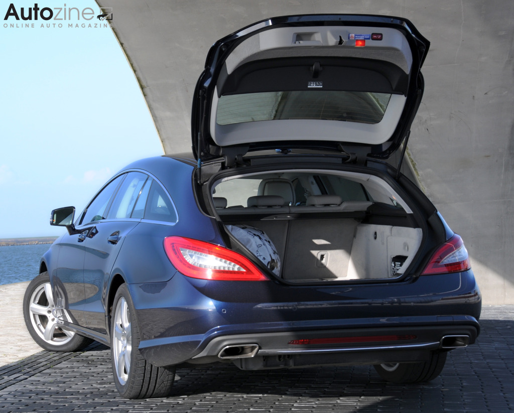Mercedes-Benz CLS Shooting Brake Driekwart achter - klep open