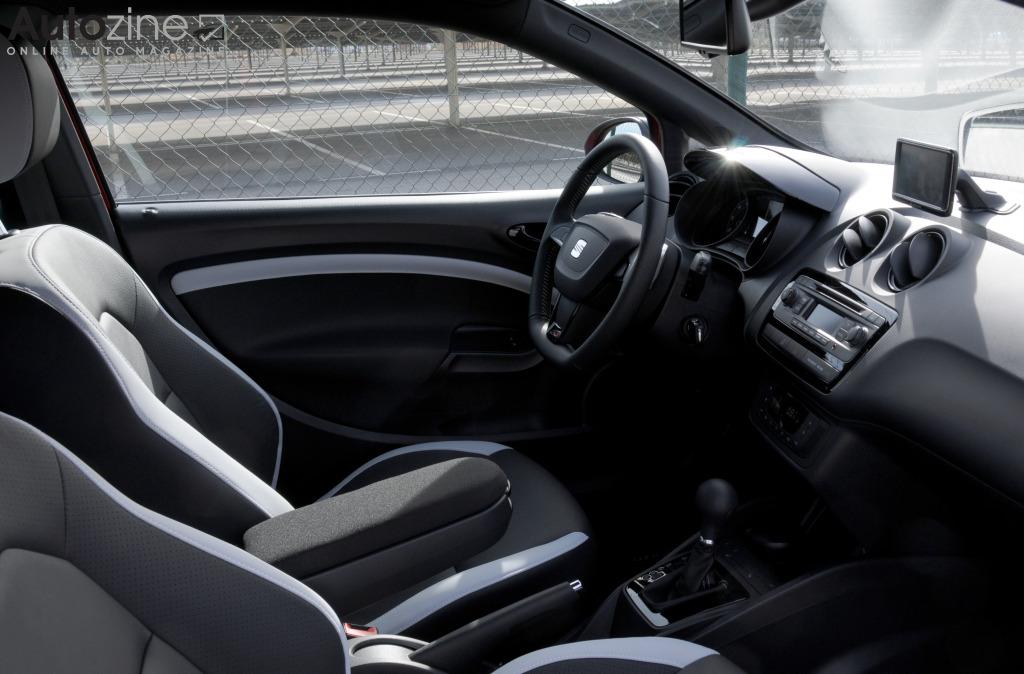 Autozine foto 39 s seat ibiza cupra 7 9 for Interieur seat ibiza cupra
