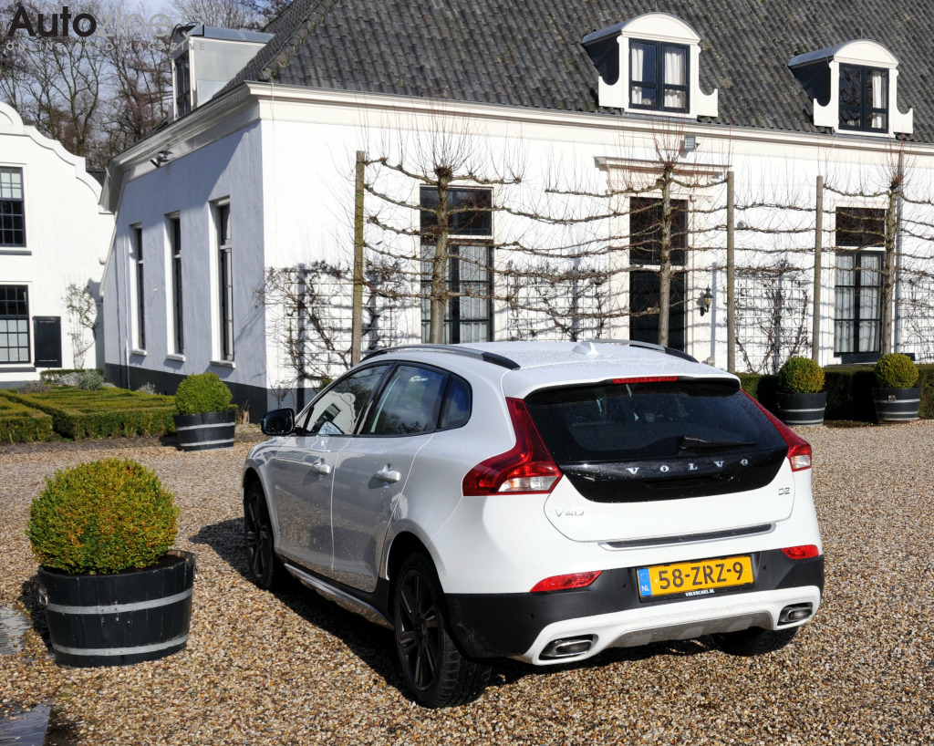 Volvo V40 Cross Country Schuin achter