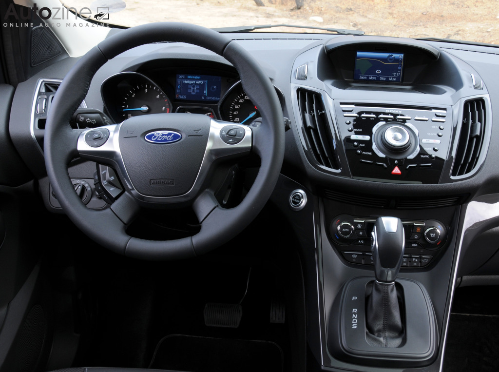 Autozine foto 39 s ford kuga 9 10 for Interieur ford kuga