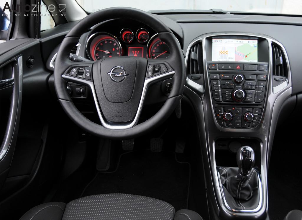 Autozine - Foto's: Opel Astra Sports Tourer (2010 - 2016 ...