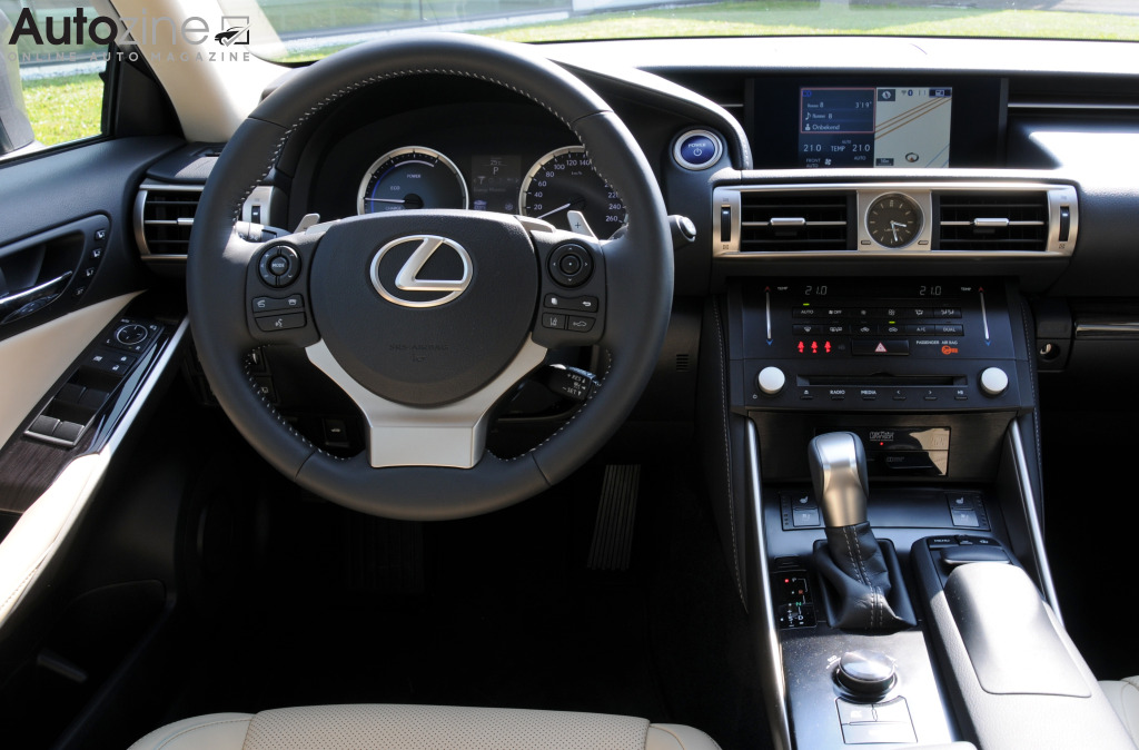 Lexus IS Interieur