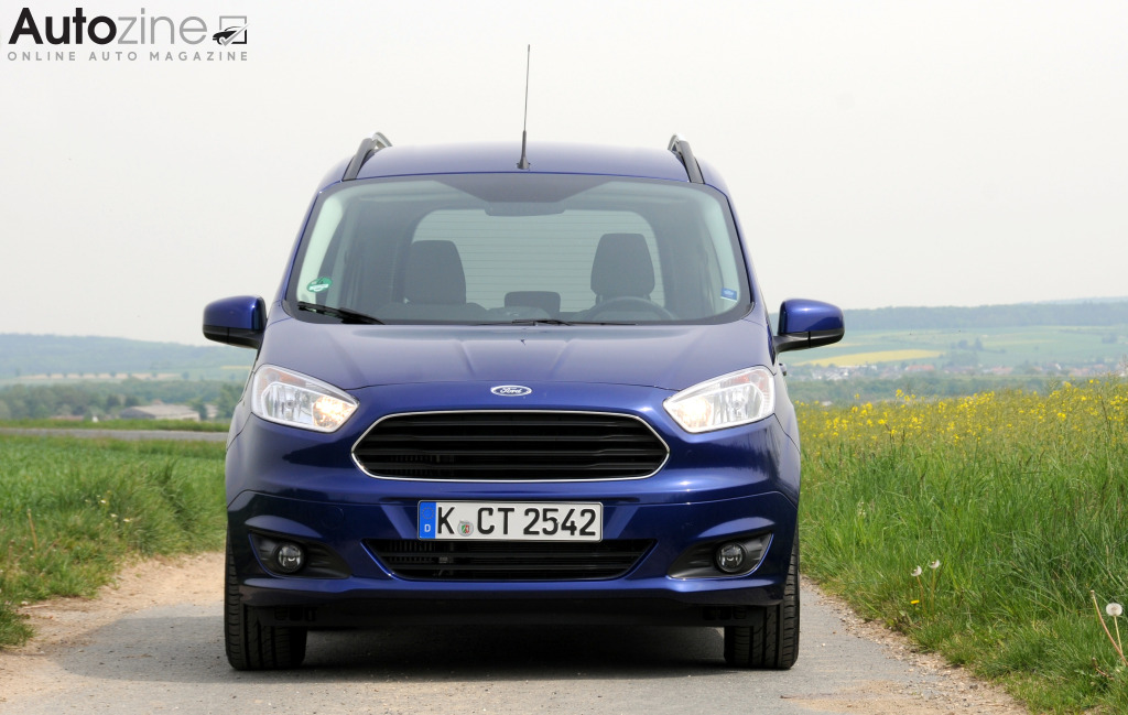 Ford Tourneo Courier Recht voor