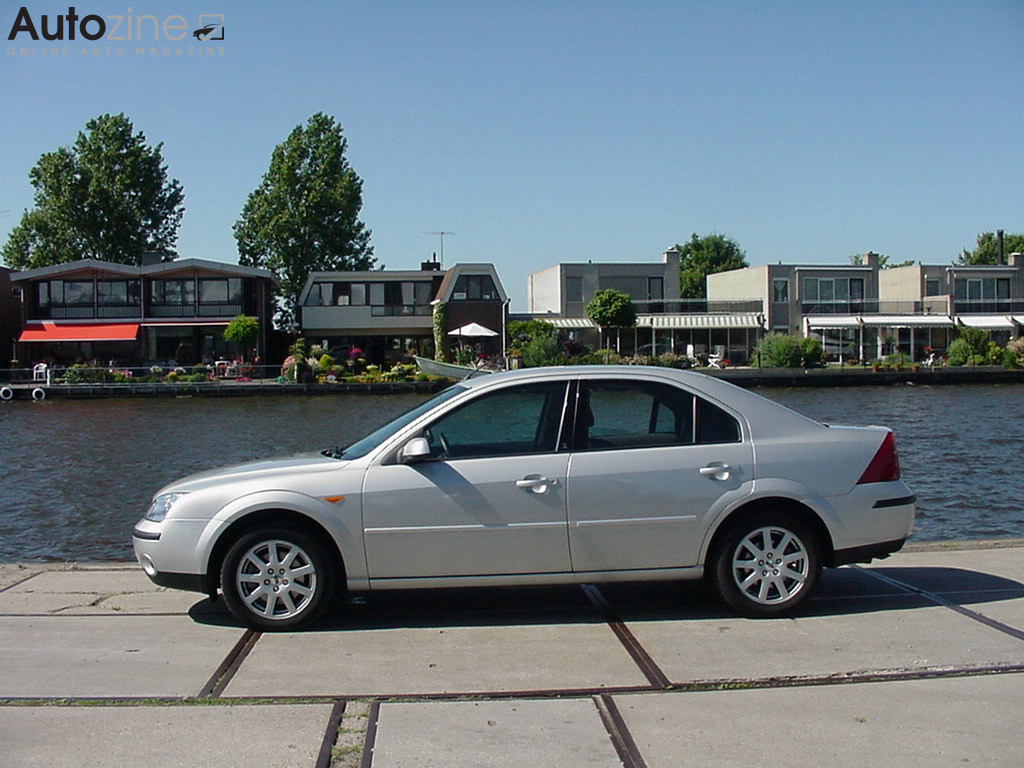Ford Mondeo (1993 - 2007) Langs de Rijn