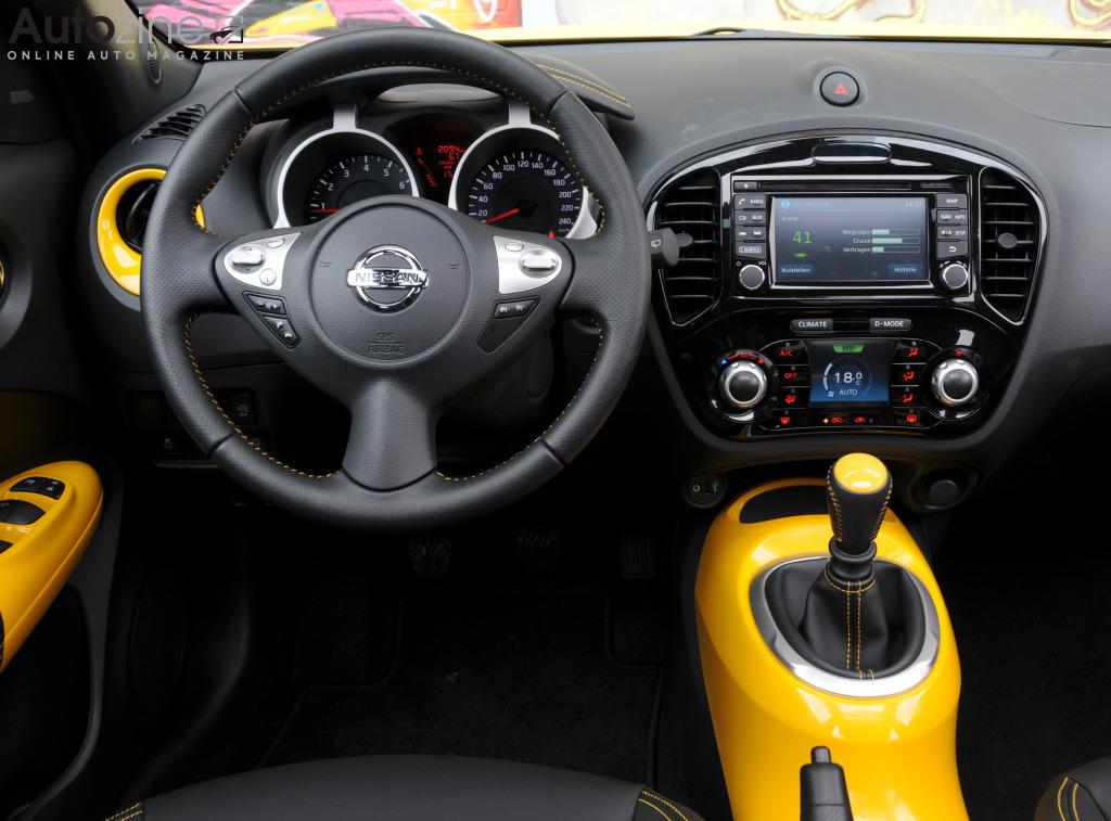 Autozine foto 39 s nissan juke 10 12 for Nissan juke interieur