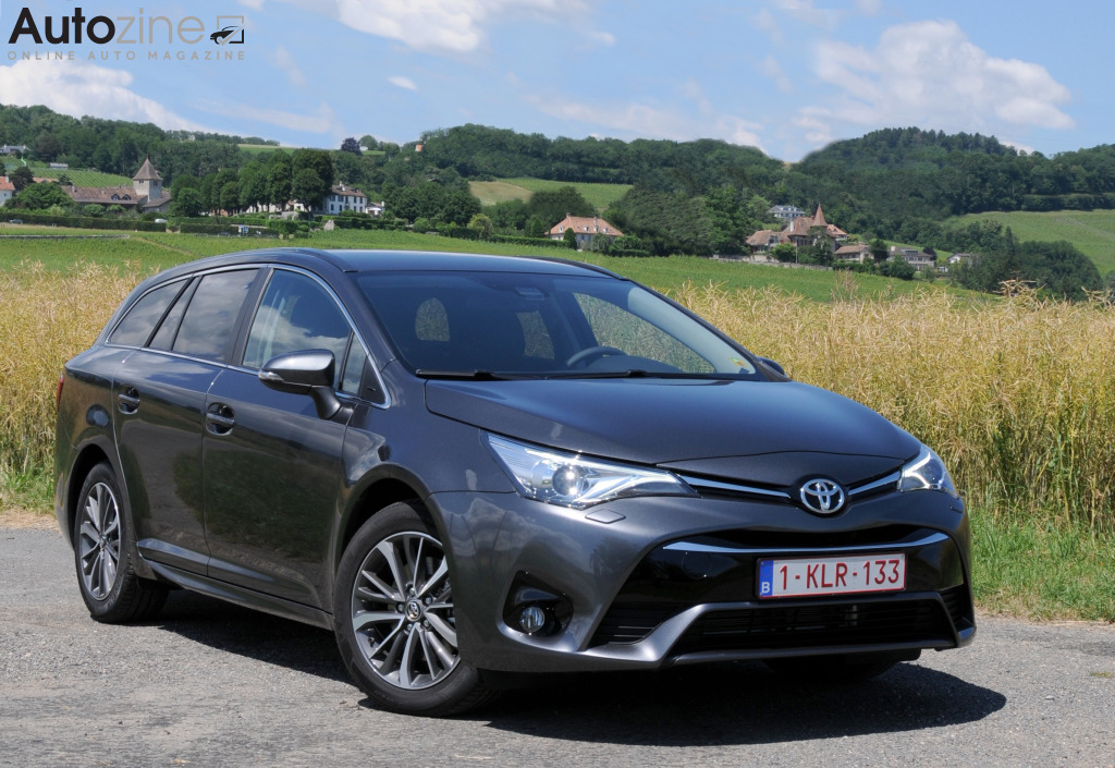 Toyota Avensis Touring Sports Middentunnel