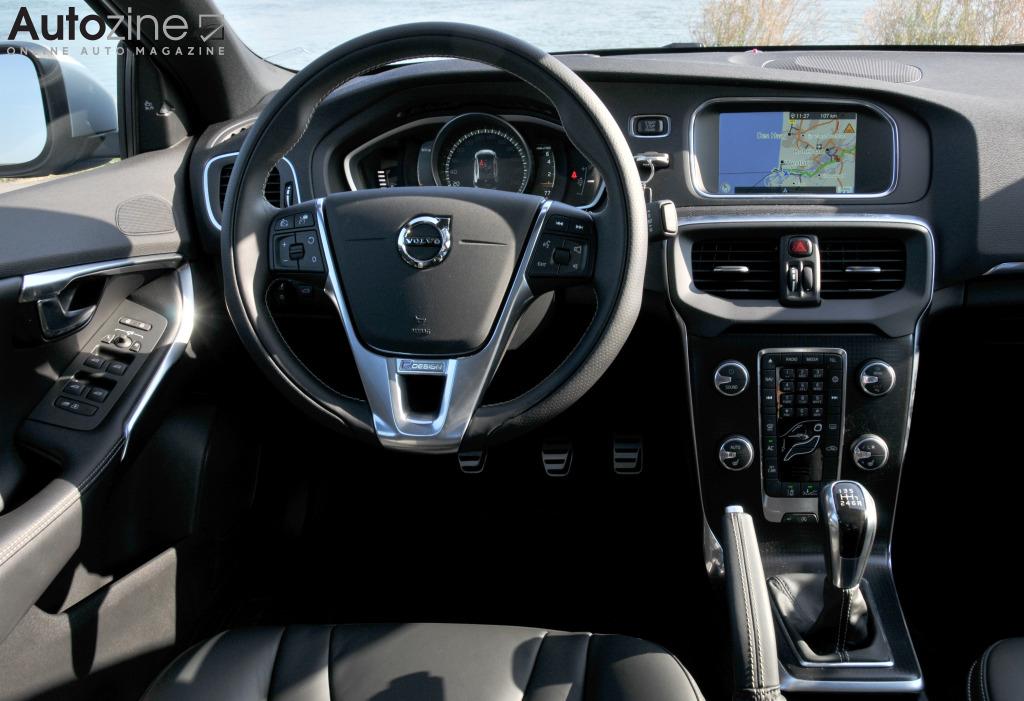 Betere Autozine - Foto's: Volvo V40 (8 / 9) FI-61