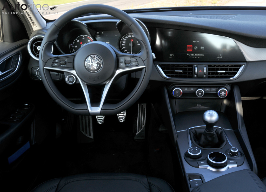 autozine foto 39 s alfa romeo giulia 9 10. Black Bedroom Furniture Sets. Home Design Ideas