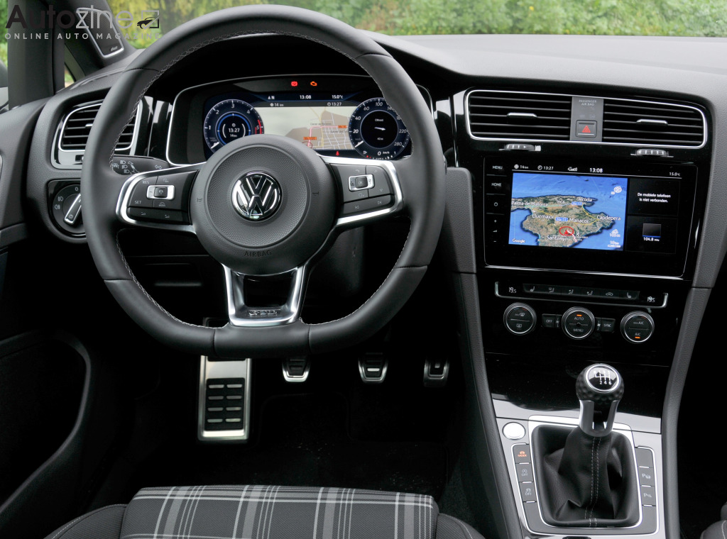 Autozine foto 39 s volkswagen golf gtd 9 10 for Interieur golf