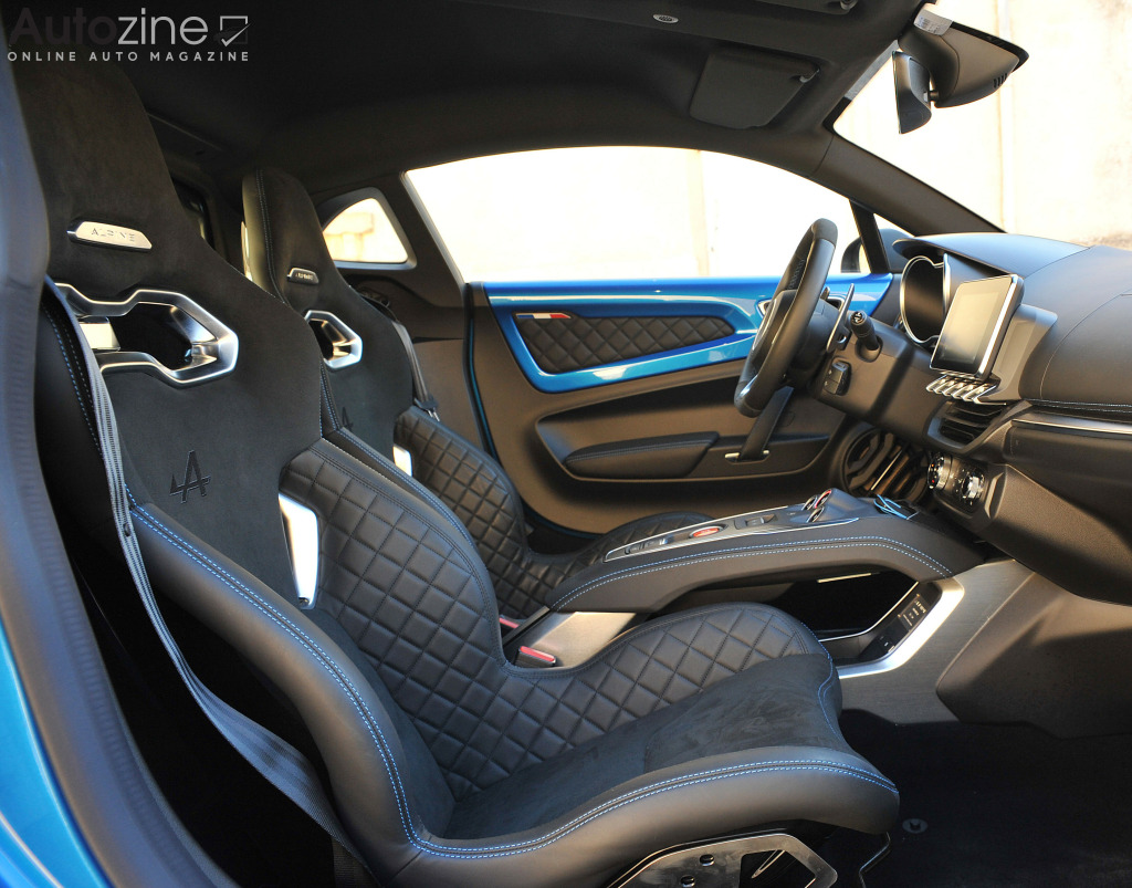 Autozine foto 39 s alpine a110 8 11 for Interieur alpine a110