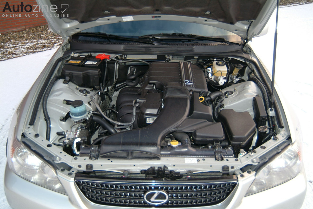 Lexus IS SportCross Motor