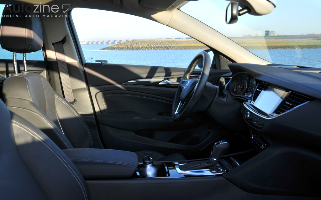 Opel Insignia Country Tourer Interieur doorkijk