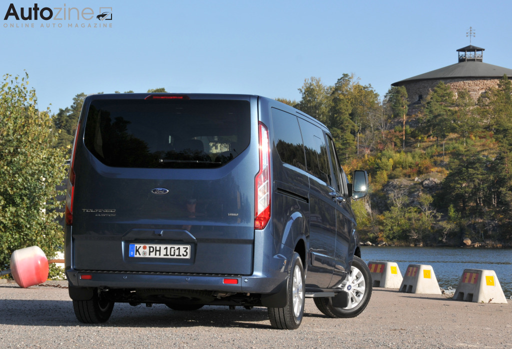 Ford Tourneo Custom Driekwart achter