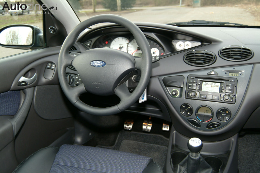 ford focus st interieur
