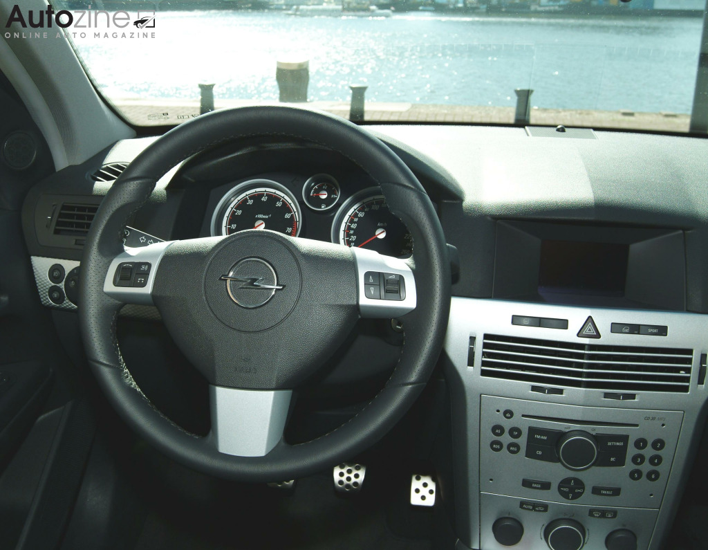 Opel Astra (2004 - 2009) Interieur