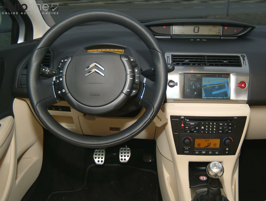 Citroen C4 Coupe Interieur