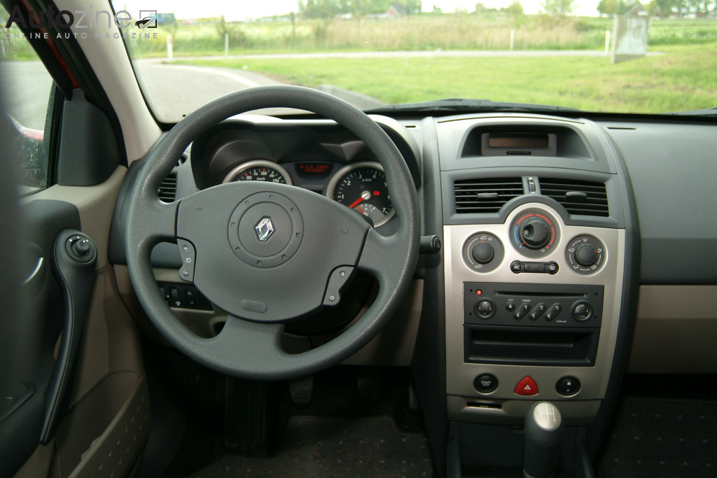 Renault Megane II sedan Interieur