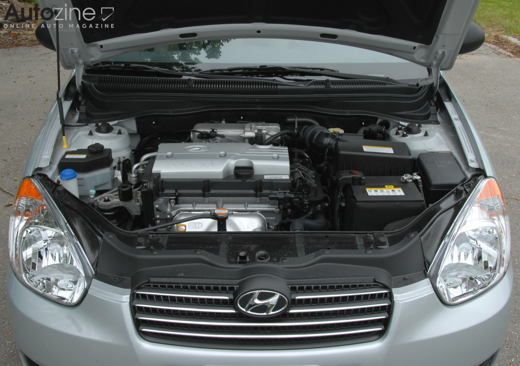 Hyundai Accent sedan Motor