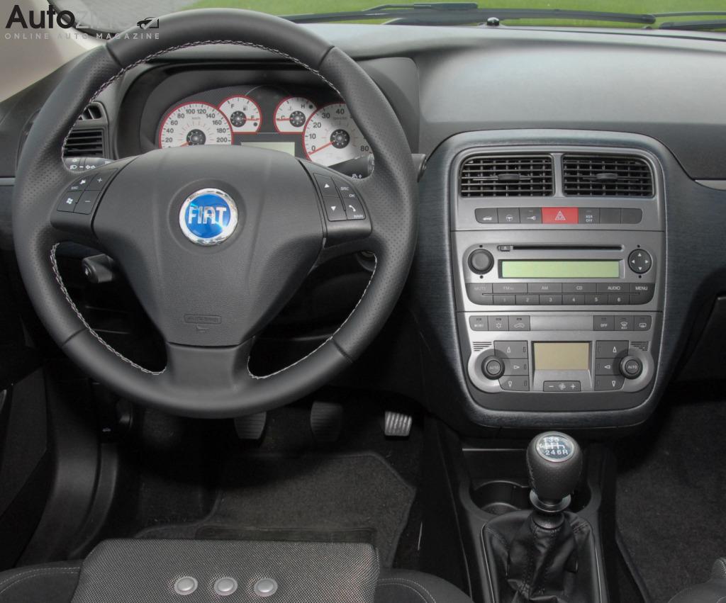 Autozine foto 39 s fiat grande punto 5 6 for Fiat punto 1 interieur