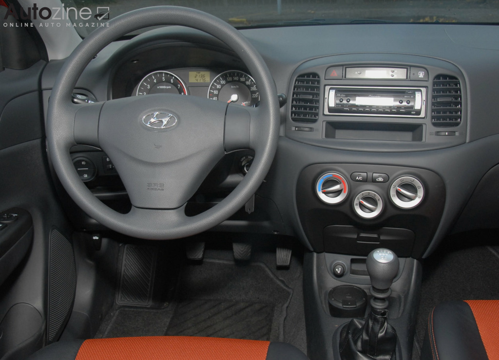 Hyundai Accent Interieur