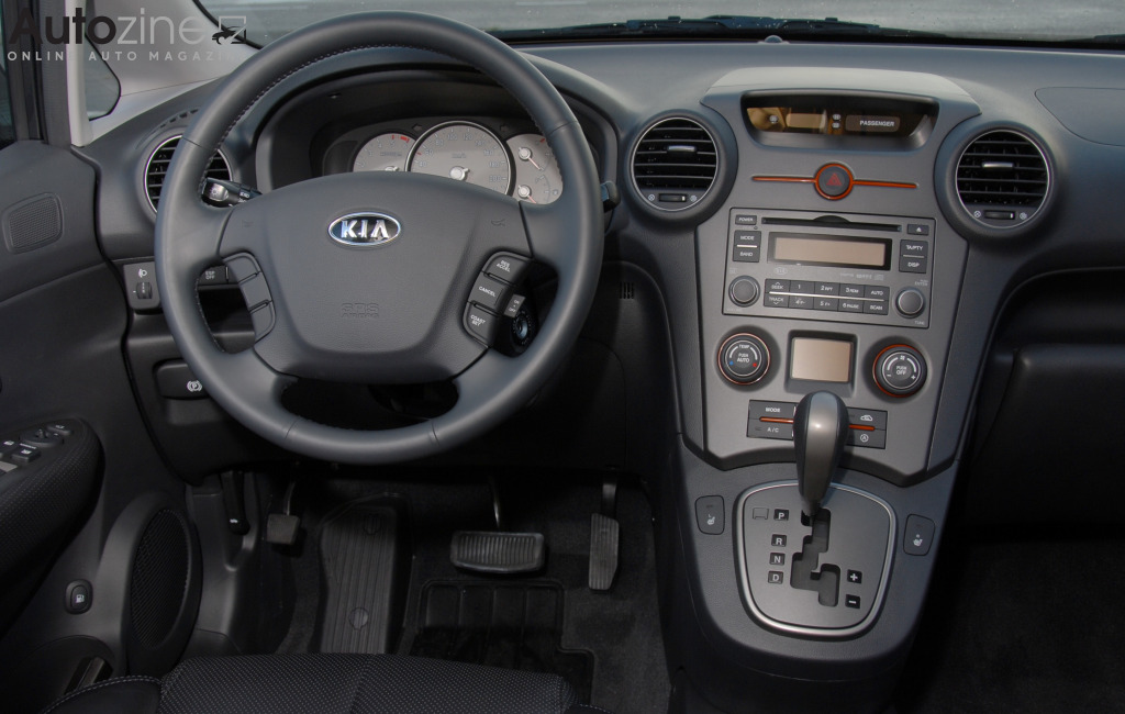 Kia Carens (2006 - 2010) Interieur