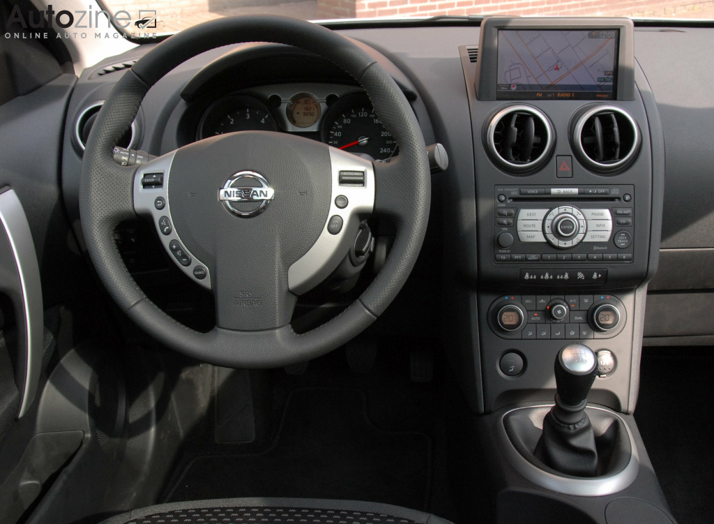 autozine foto 39 s nissan qashqai 2007 2013 6 7. Black Bedroom Furniture Sets. Home Design Ideas