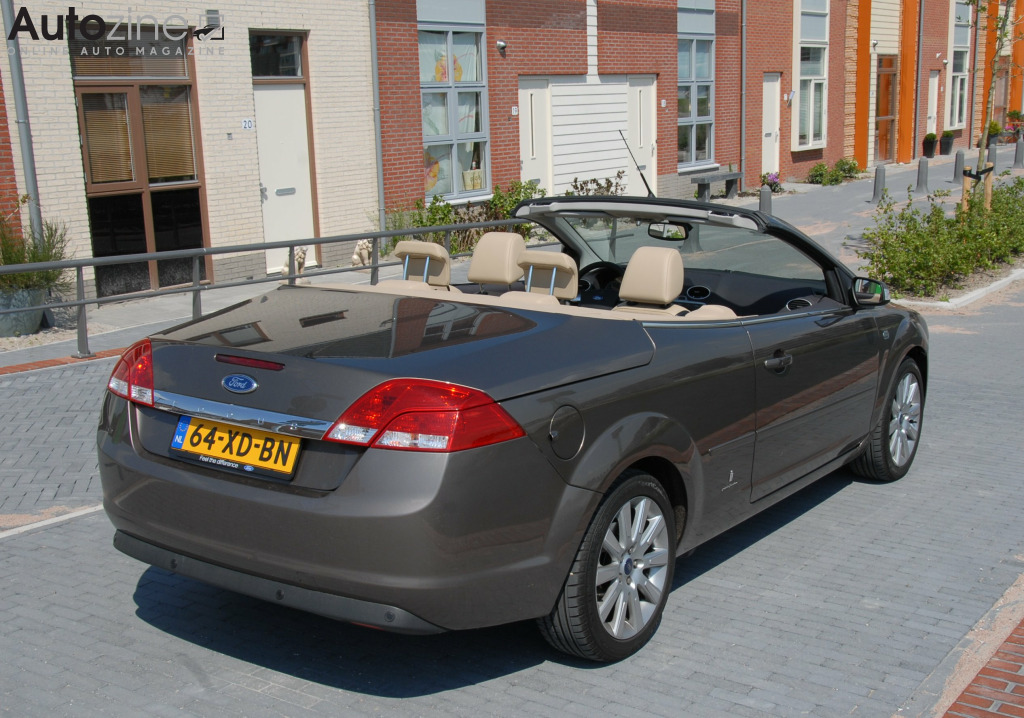 Ford Focus Coupe Cabriolet Kade schuin achter