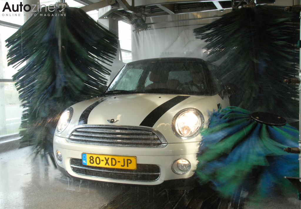 MINI Cooper D Wasstraat neus