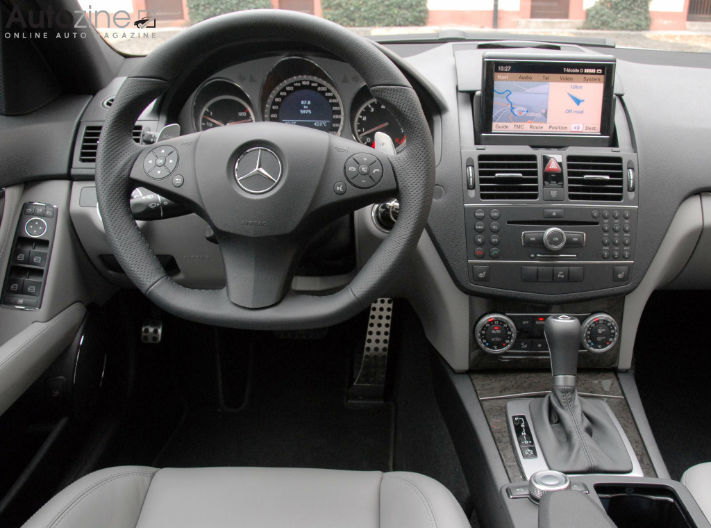 Autozine Foto S Mercedes Benz C63 Amg 9 10